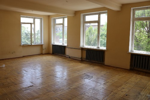 A room in a school after renovation